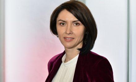 EY România recrutează peste 100 de studenți și absolvenți pentru birourile din România