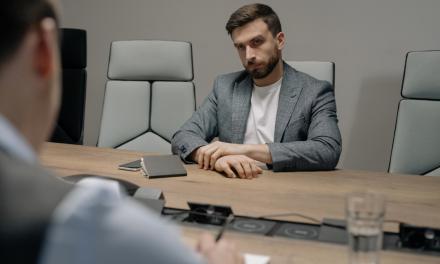 Angajatul nu se prezinta la munca. Cum se inceteaza corect CIM?