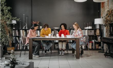eMAG lansează un program de perfecționare profesională destinat angajaților aflați la începutul carierei