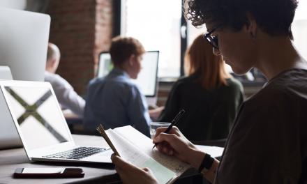 O relație sănătoasă cu tehnologia sporește productivitatea angajaților