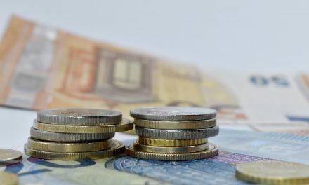 Guvernul a adoptat majorarea salariului minim cu 10% în valoare netă